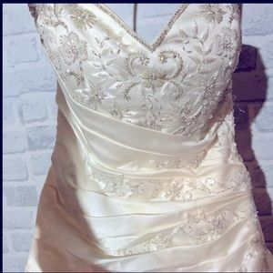 Alfred Sung size 10 wedding dress